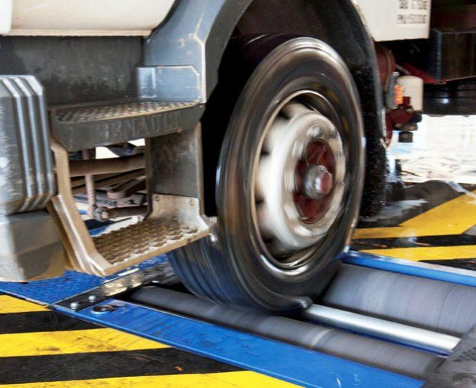 La prueba de frenado en la ITV continúa siendo un problema para las cabezas tractoras